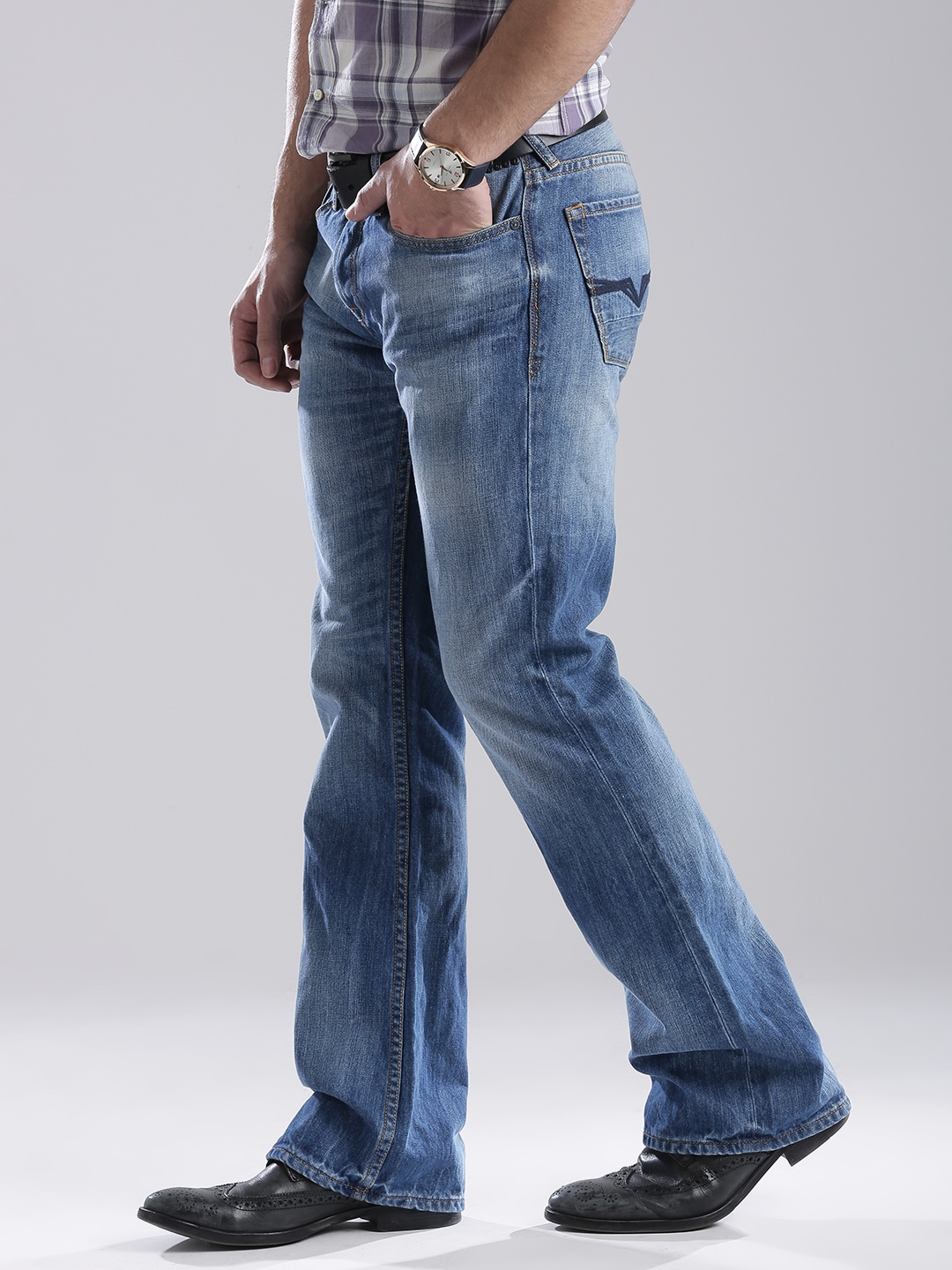 Buy GUESS Blue Washed Falcon Fit Bootcut Jeans for Men Online ...