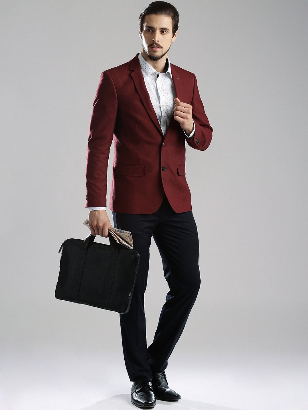 Burgundy Blazers: Burgundy Blazer is a main part of the male wardrobe. Armed with a good looking blazer, a pair of slacks in a coordinating color, a dress shirt and tie, and you can go just about anywhere.