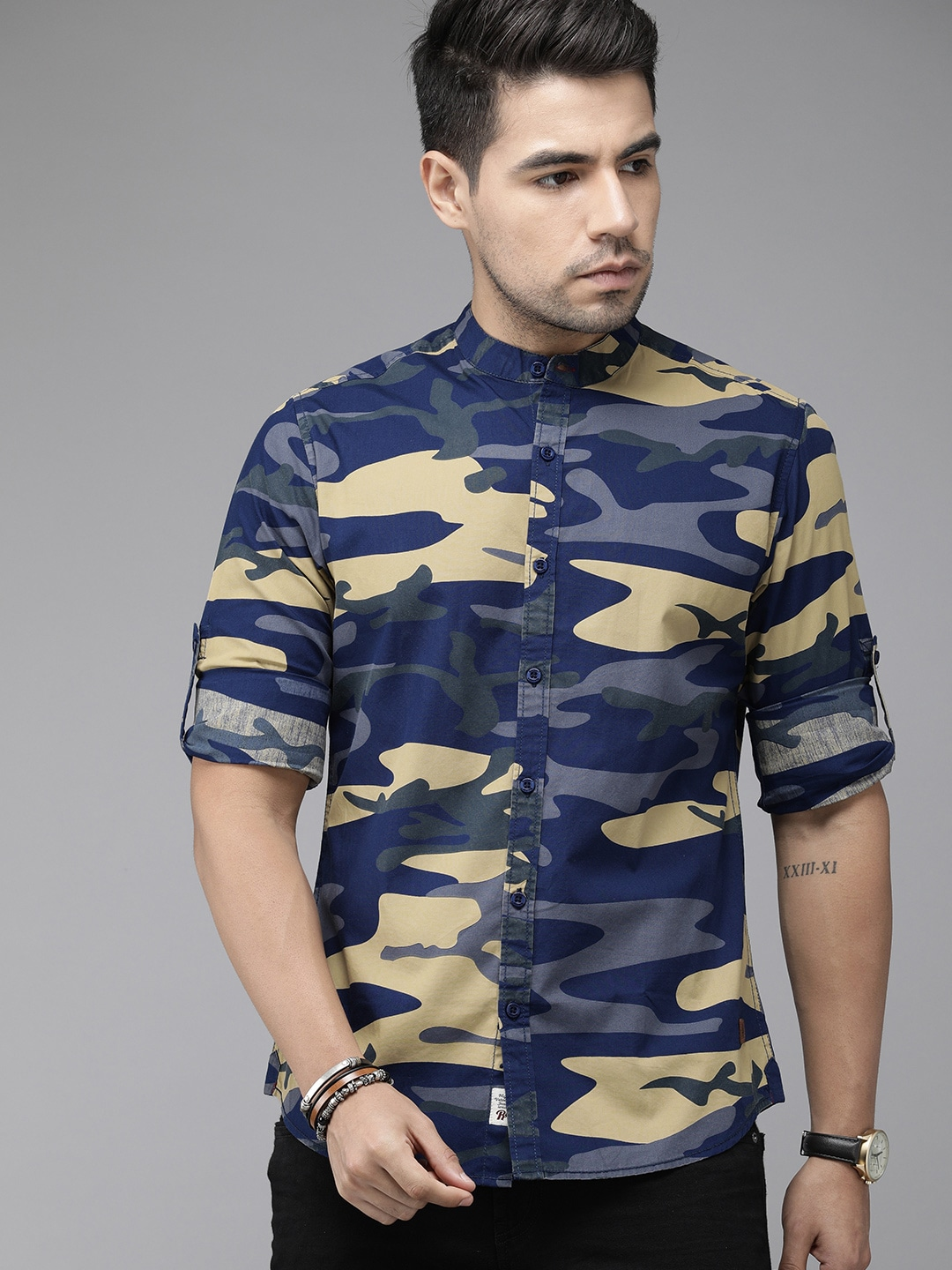 Roadster Men Blue & Beige Regular Fit Camouflage Printed Casual Shirt