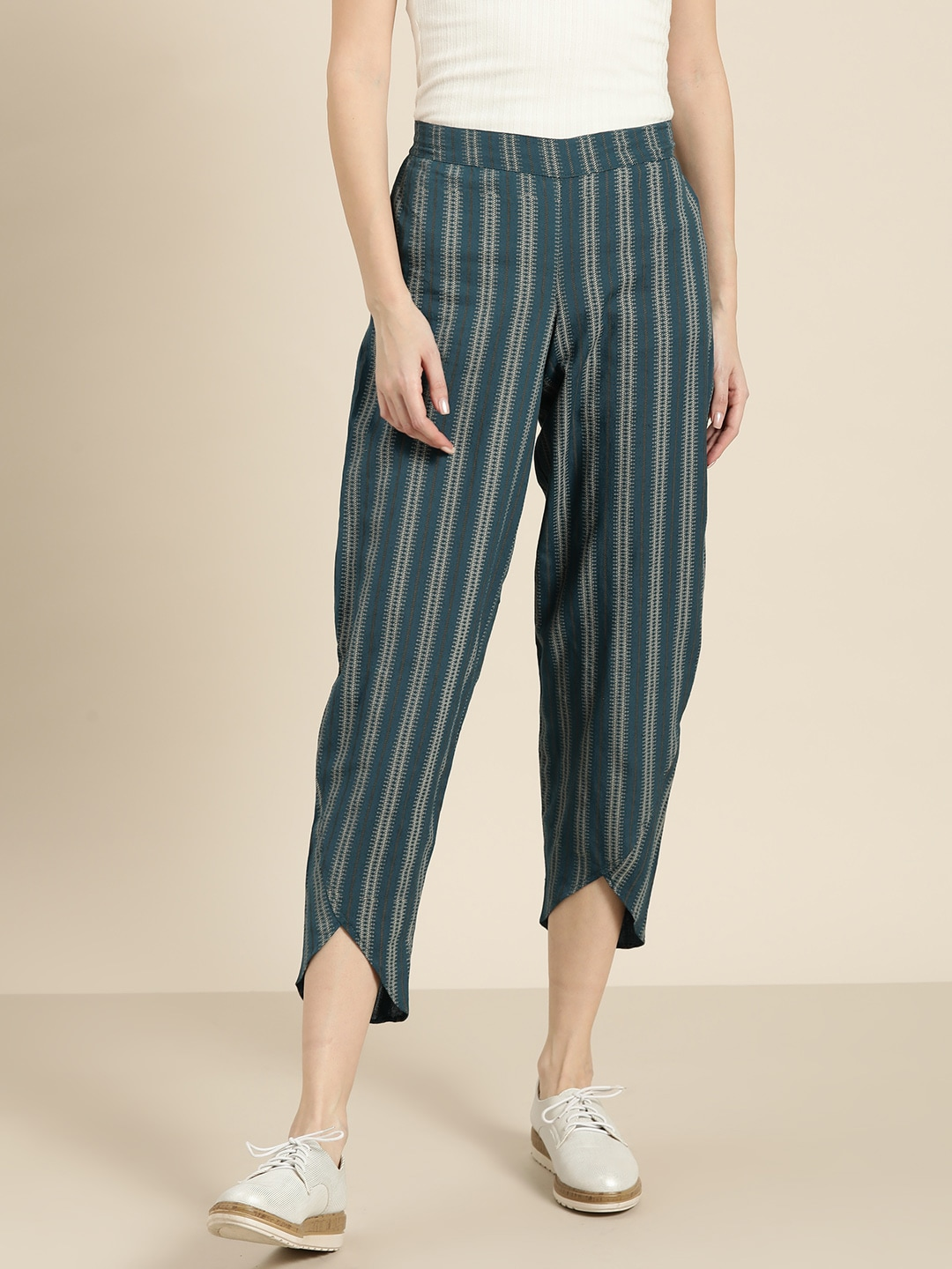 Shae by SASSAFRAS Women Teal Blue & Off-White Regular Fit Striped Cropped Trousers