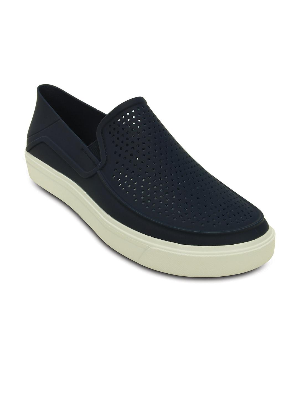 7eef1d166cb1e3 Crocs Shoes Online - Buy Crocs Flip Flops   Sandals Online in India - Myntra