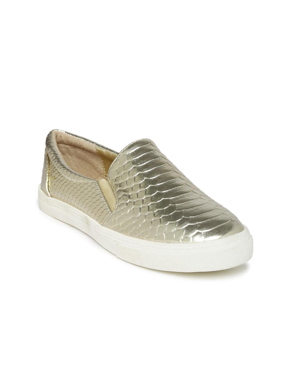 Solovoga Women Gold-Toned Tokyo Flat Shoes