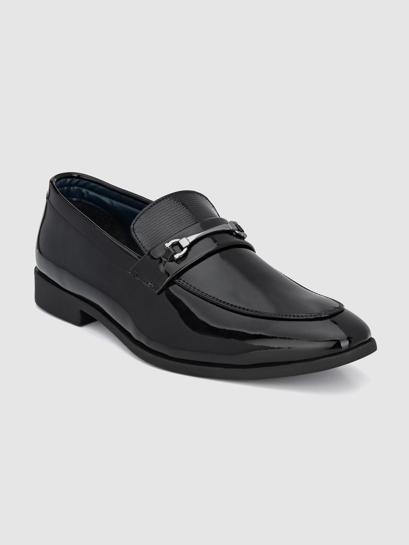 INVICTUS Men Black Solid Formal Loafers