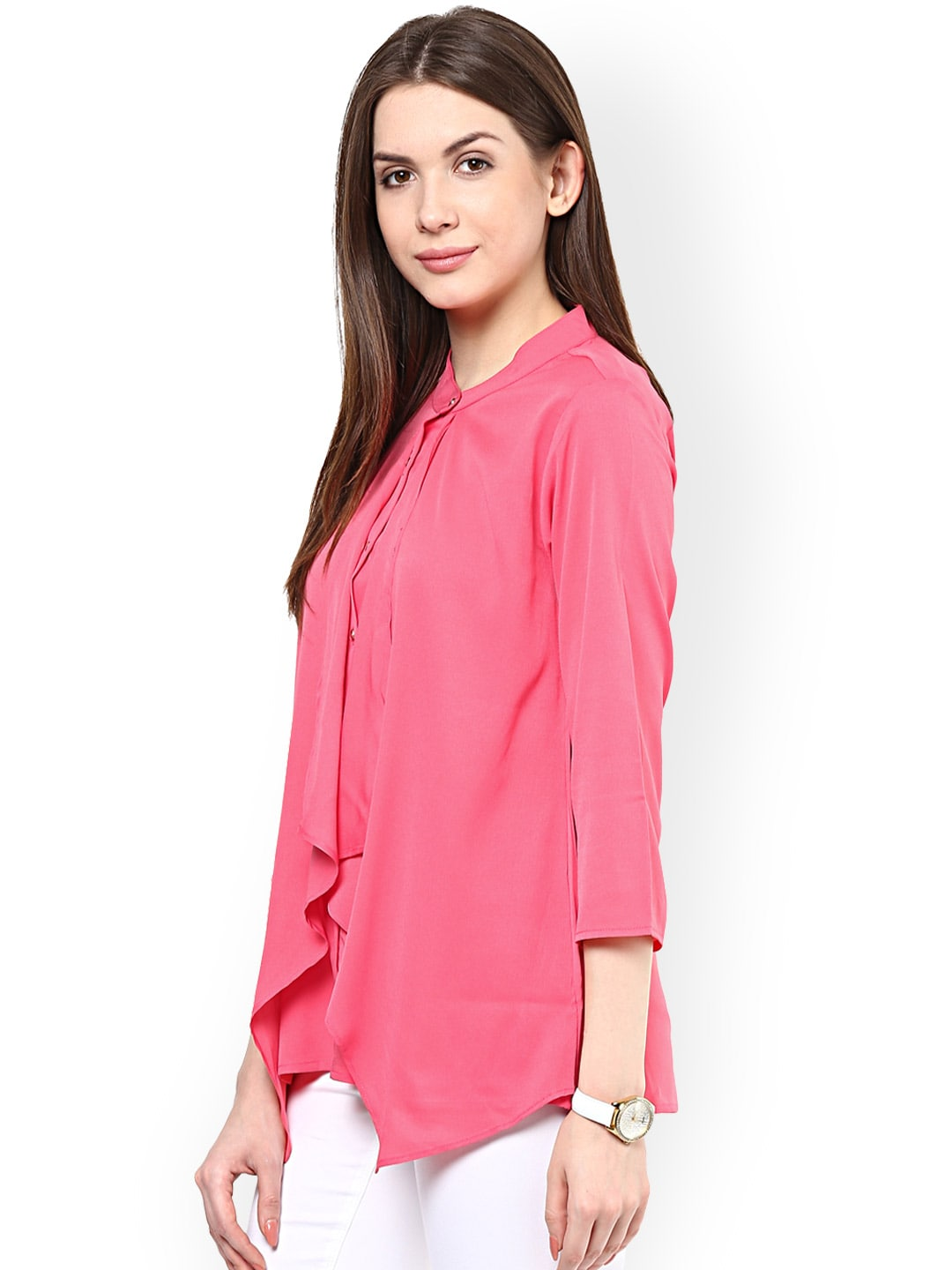 Women's Tops and Shirts For the trendiest women's shirts that range from casual to fancy, you'll find just what you need in Belk's tops collection. With a wide array of styles, including t-shirts, tunics, blouses and more, there's the perfect option for every occasion.