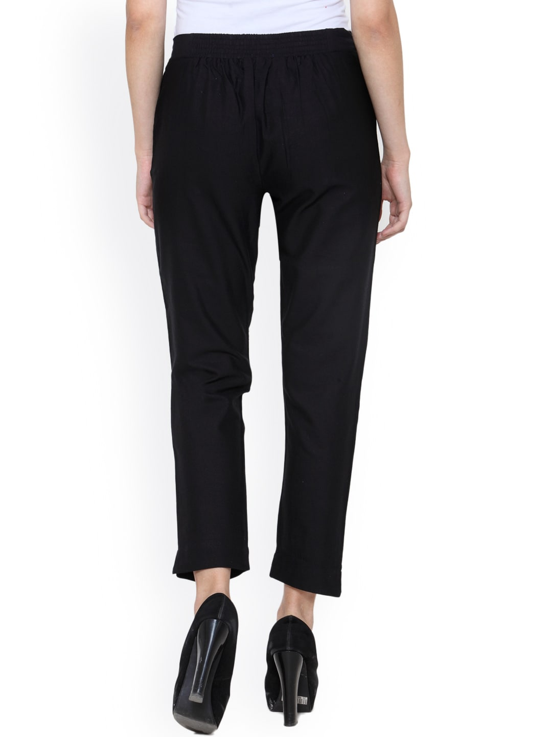Create signature styles from the variety of hip cuts of trendy capri pants for women from Old Navy. An Updated Wardrobe Staple Offered in Multiple Styles Discover a fresh approach from the edited updates to a basic wardrobe staple in this collection of trendy women's capris.