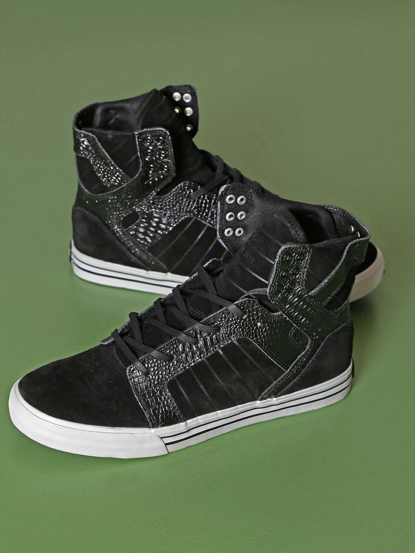 6c0e5da6bd4 Men Sports Shoes Store Sneakers - Buy Men Sports Shoes Store Sneakers  online in India