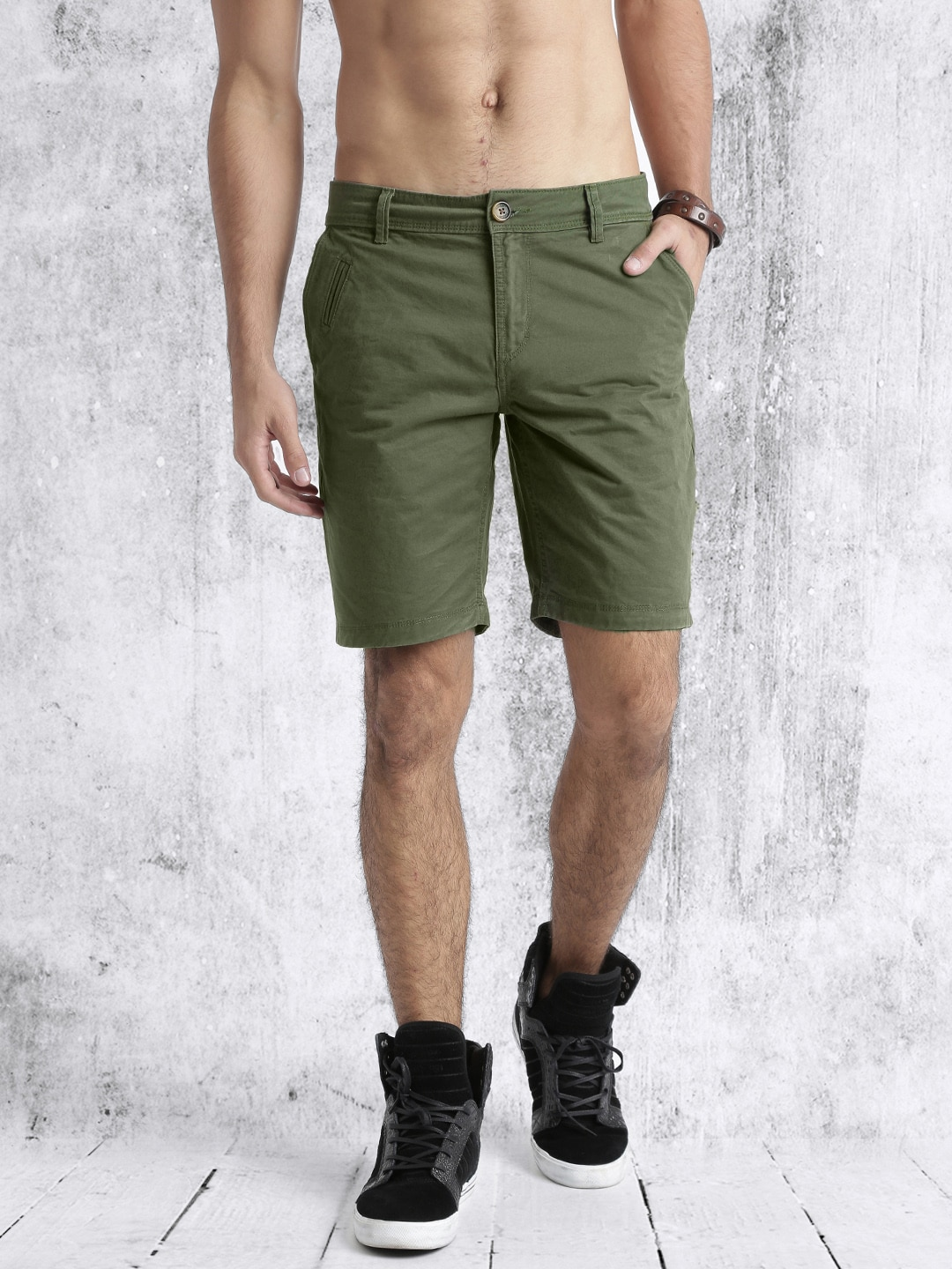 Buy Roadster Men Olive Green Solid Chino Shorts - Shorts for Men ...