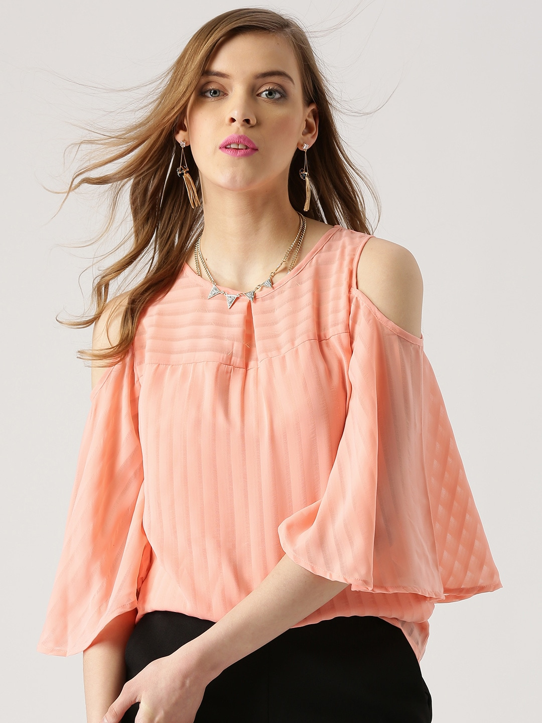 c2fefa5c454 Cold Shoulder Tops - Buy Cold Shoulder Tops for Women Online - Myntra