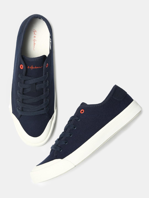 72259f4baca7 Canvas Shoes