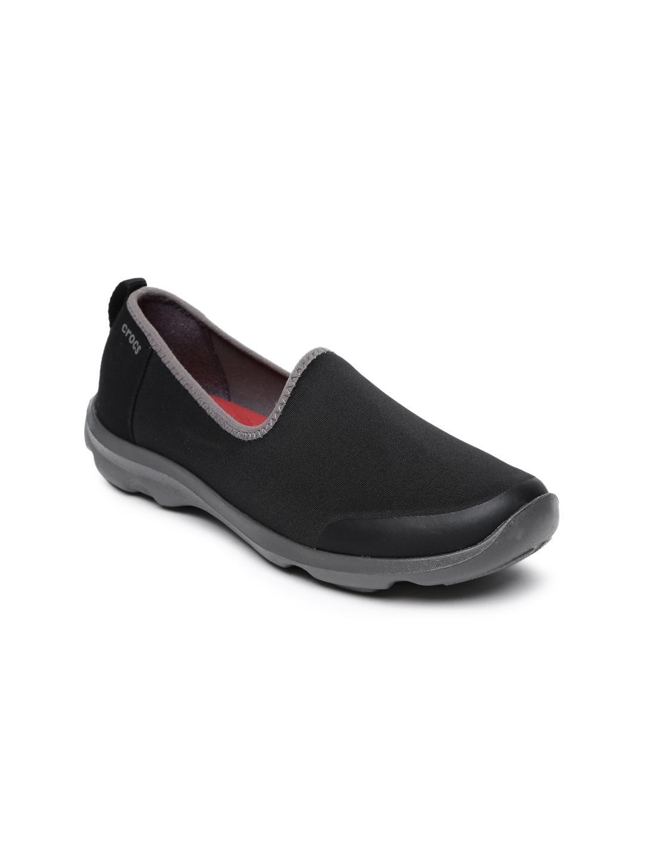 e529641518726 Crocs Shoes Online - Buy Crocs Flip Flops   Sandals Online in India - Myntra