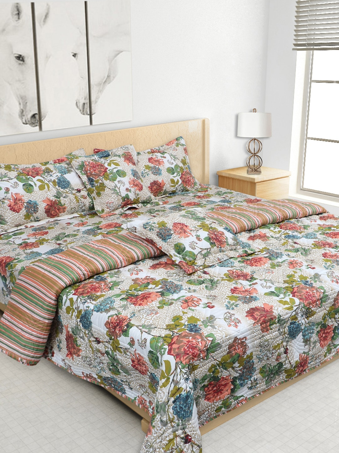S9home by Seasons Multicoloured Printed Co-Ordinated Bedding Set with Quilt (Comforter)