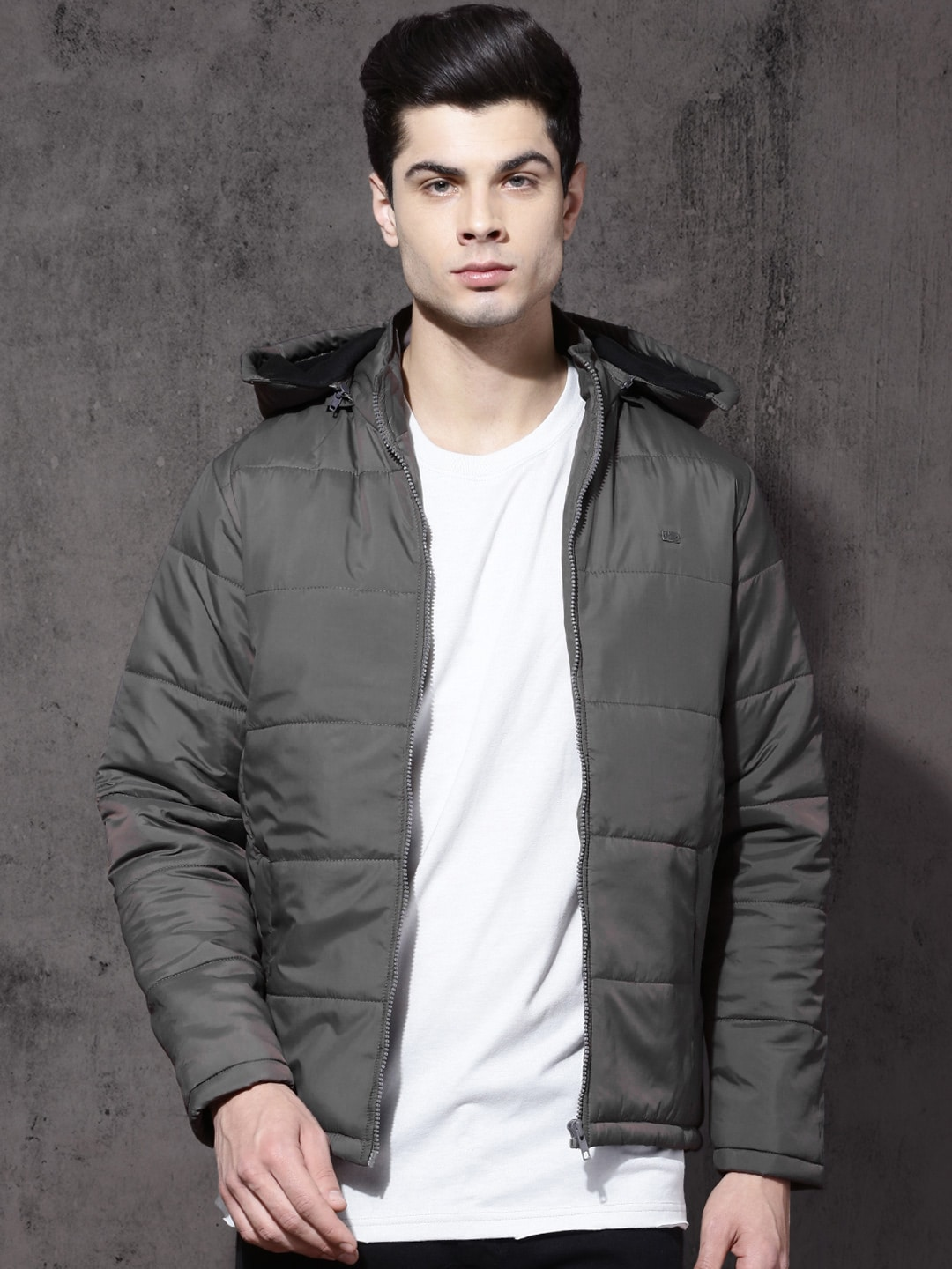 e061a09b8 Roadster Men Taupe Solid Detachable Hood Puffer Jacket