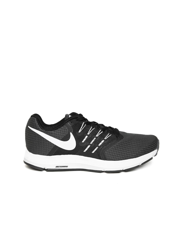Nike Women Grey Swift Running Shoes