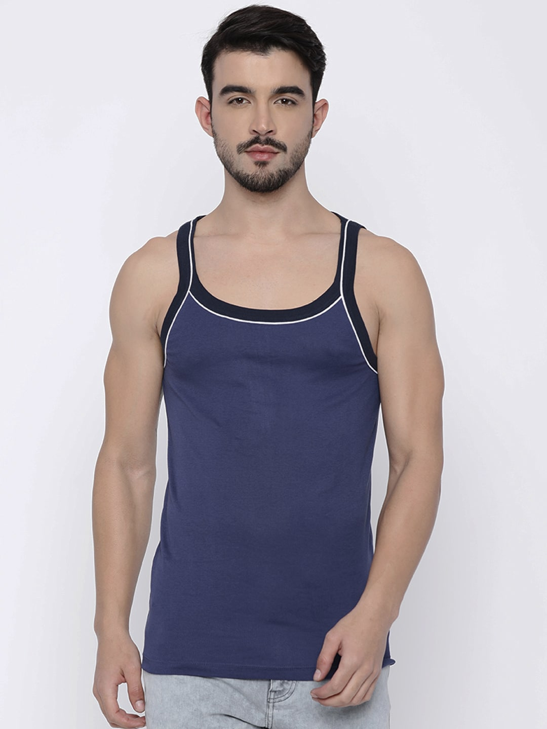 cafc113036601 Hanes Store - Buy Hanes Innerwears and Comfort Clothing Online in India