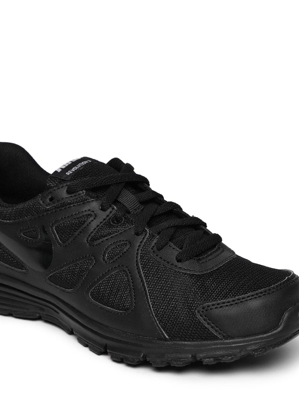... nike running shoes buy nike running shoes online myntra