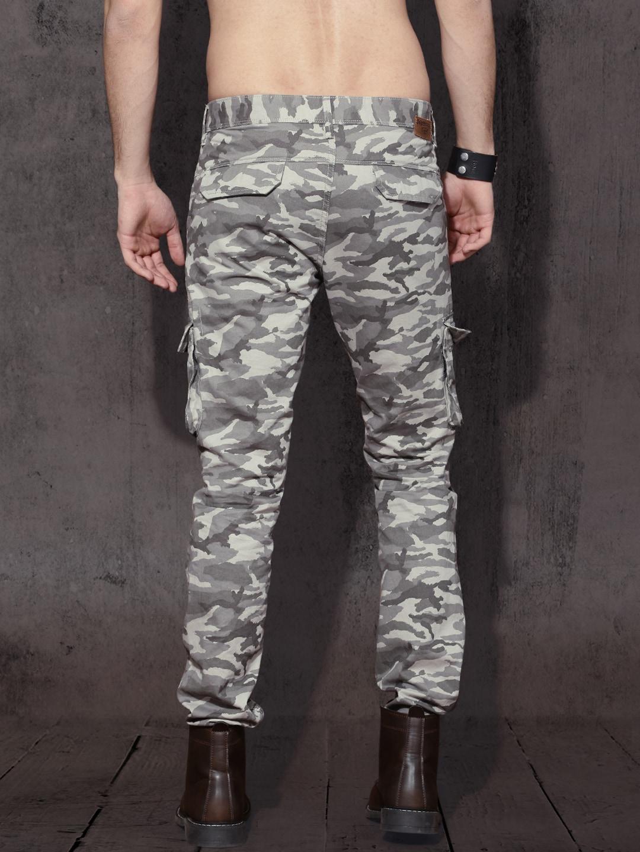 Roadster Men Grey Slim Fit Camouflage Print Cargos