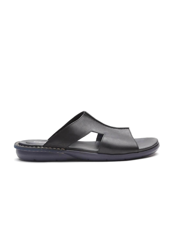 b29f326bfe8 Clarks Flip Flops Sandals - Buy Clarks Flip Flops Sandals online in India