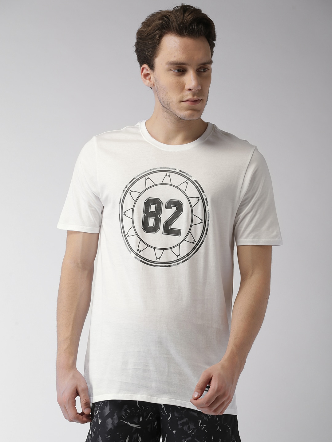 722cadd49373 Nike Casual Shoes Men Tshirts - Buy Nike Casual Shoes Men Tshirts online in  India