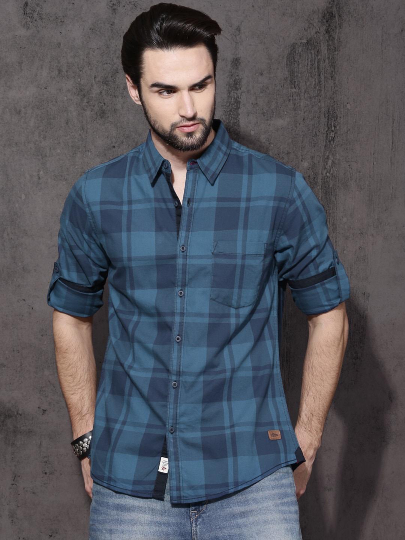 Roadster Men Blue Regular Fit Checked Casual Shirt