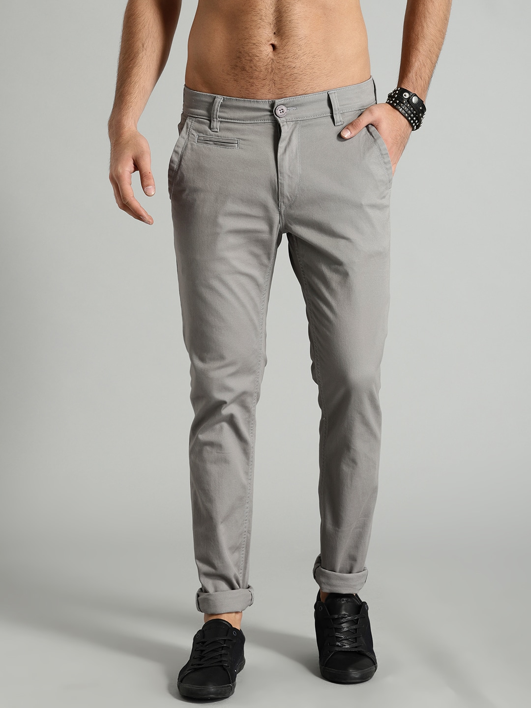 24f2378f Roadster Time Travlr Men Grey Slim Fit Solid Chinos