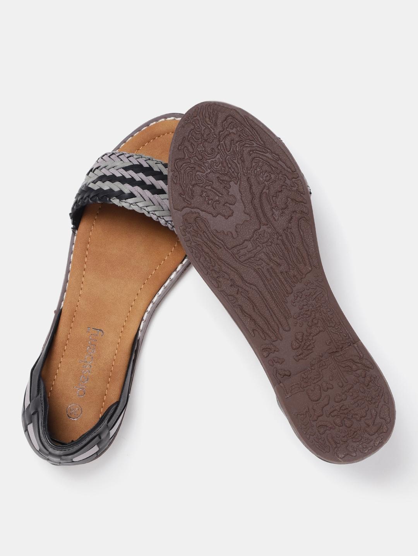DressBerry Women Black & Grey Woven Design Open Toe Flats