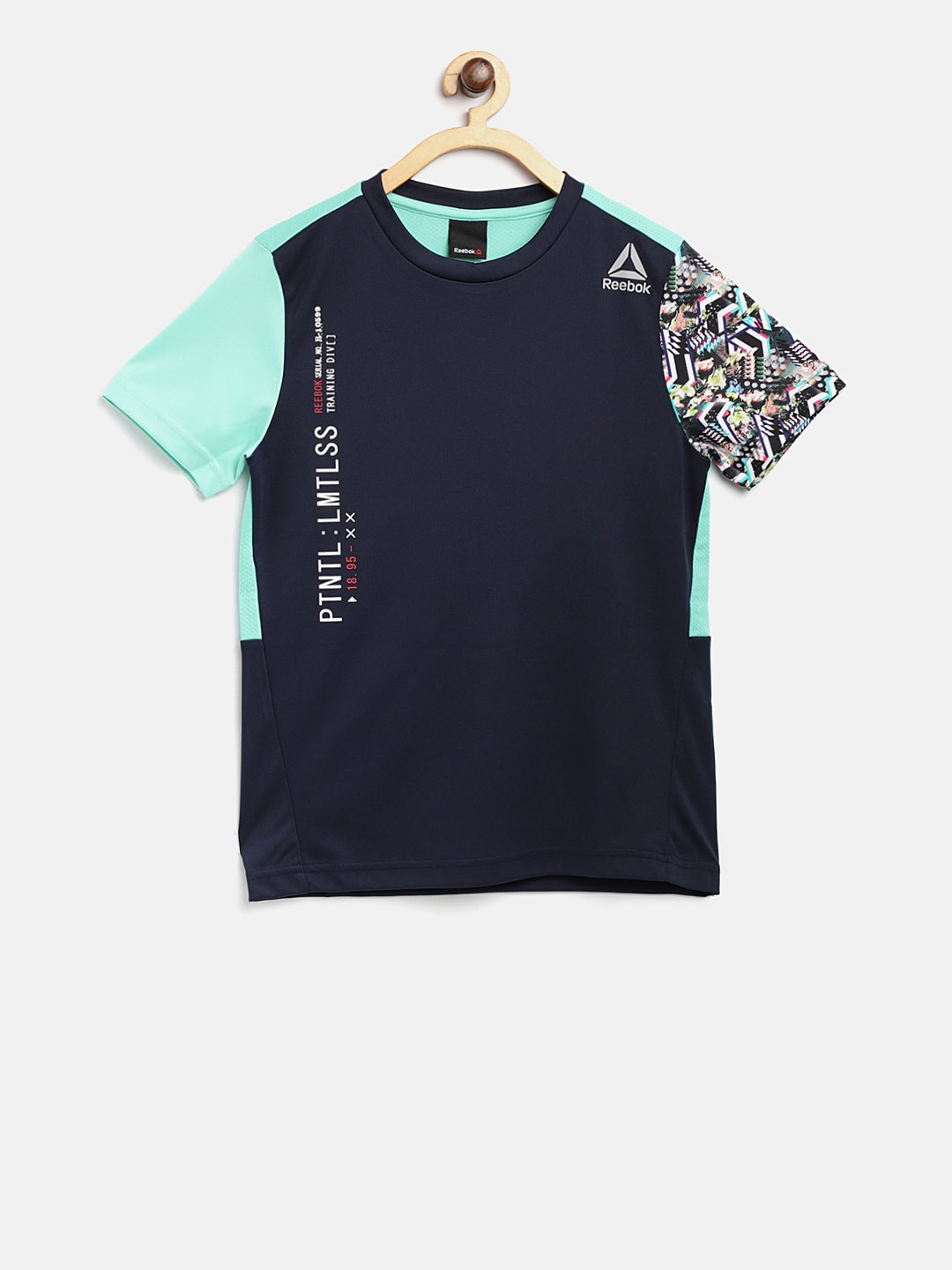 2b82da78fec628 Reebok Boys Girls Tshirts - Buy Reebok Boys Girls Tshirts online in India