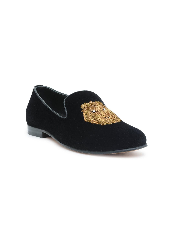 ec0e6a4b2ee8 Velvet Shoes For Men - Buy Velvet Shoes For Men online in India