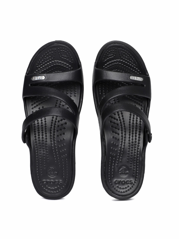 ae5999ee9a734d Crocs Shoes Online - Buy Crocs Flip Flops   Sandals Online in India - Myntra