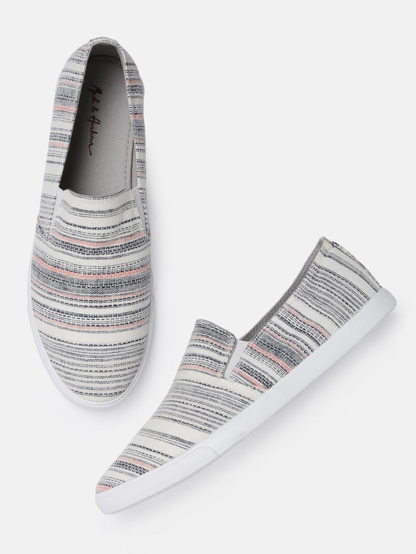 c3514c42d7f Canvas Shoes