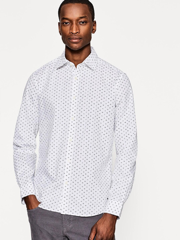 86ae6ded6d4 ESPRIT Men White & Navy Blue Slim Fit Printed Casual Shirt