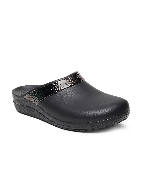 da9d0a733 Crocs Flip Flops Sandal - Buy Crocs Flip Flops Sandal online in India