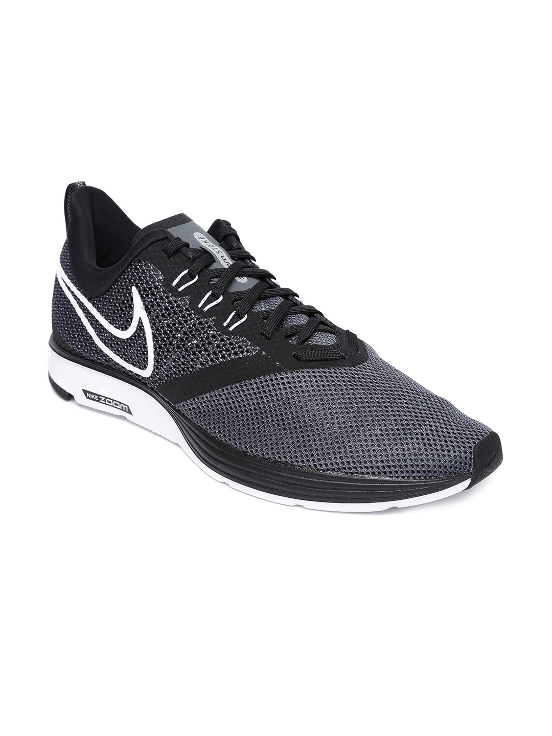 7e7d176efc5a Nike Black Shoes - Buy Nike Black Shoes Online in India