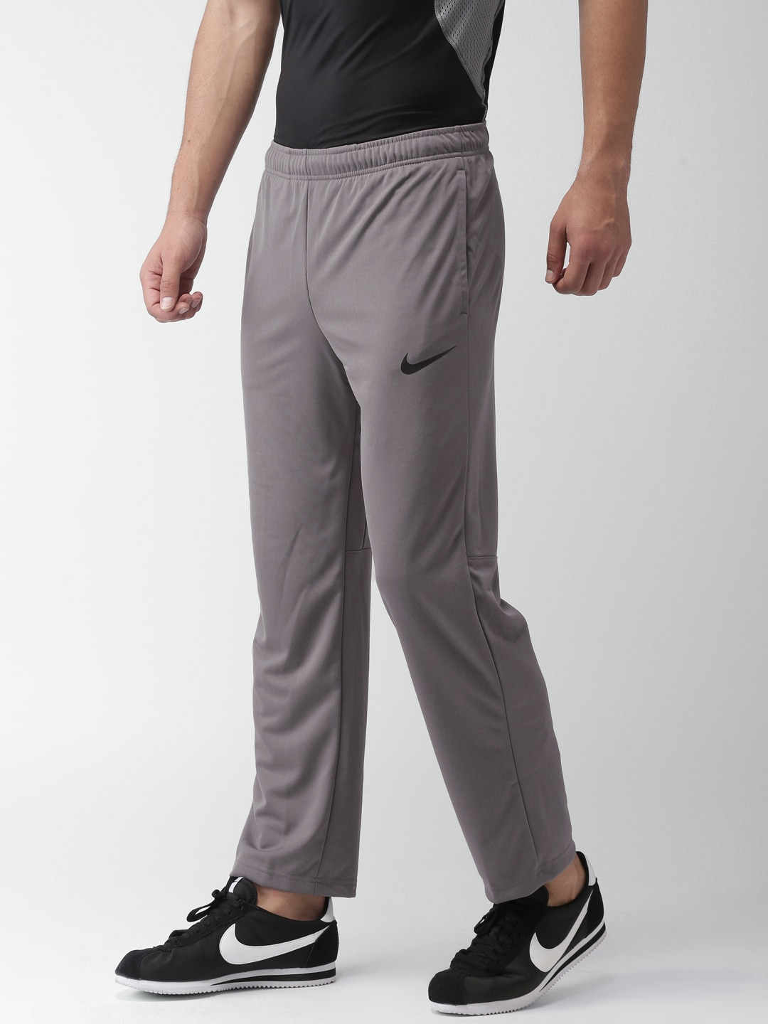 f1fac9ebc Nike Apparel - Buy Nike Apparel Online in India