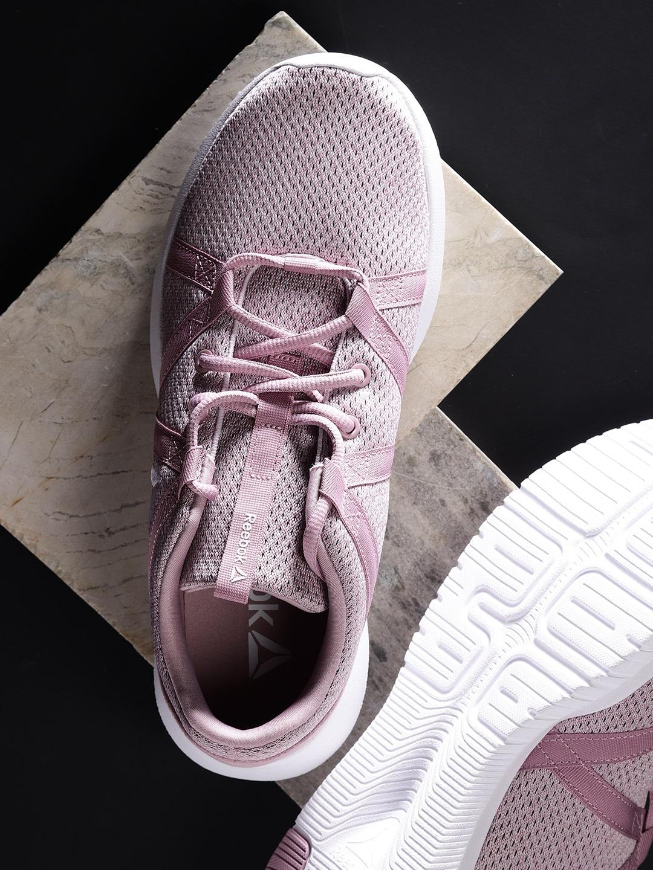 324071636d05 Reebok Women Jackets Sports Shoes - Buy Reebok Women Jackets Sports Shoes  online in India