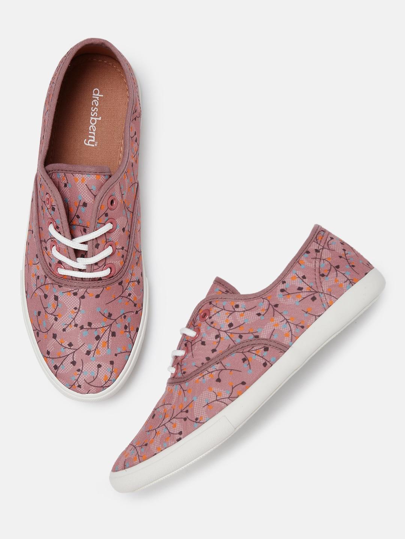 15ae9b52996 Women Capris Footwear Sports Shoes - Buy Women Capris Footwear Sports Shoes online  in India