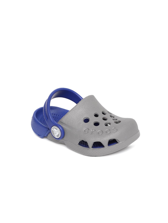 8ae1696c6 Crocs Footwear Sandal Flats - Buy Crocs Footwear Sandal Flats online in  India