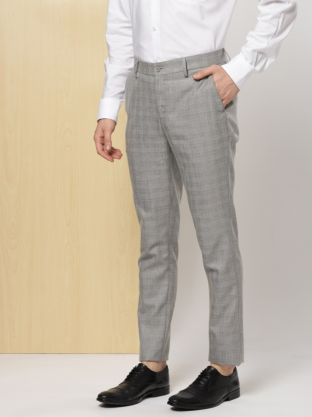 2ebdd74f3ad Checked Trousers - Buy Checked Trousers online in India