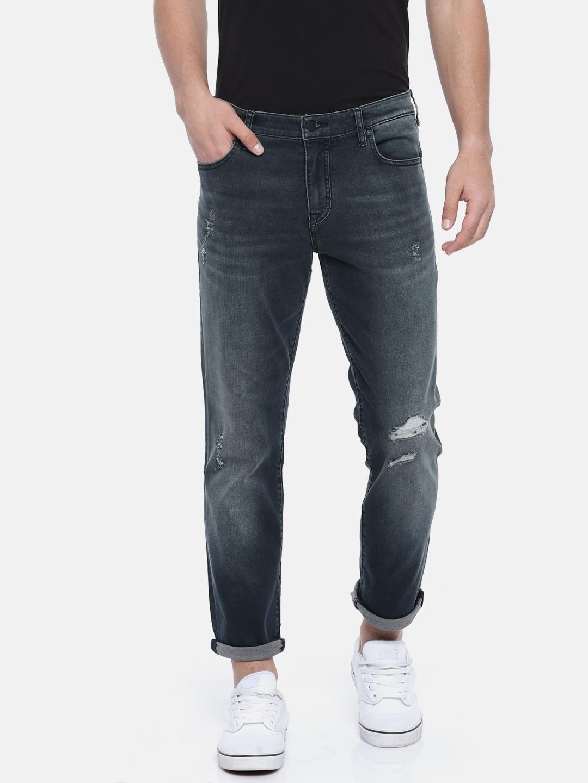 78f8197fe6be1 Black Shirt Blue Jeans Grey Shoes | Lixnet AG