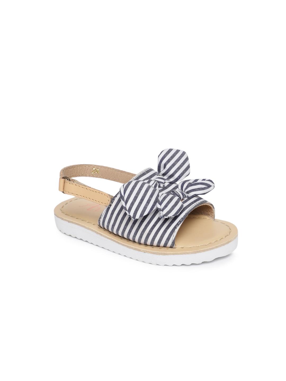 cd7e470ed3236 Girls Sandals - Buy Sandal for Girls Online In India