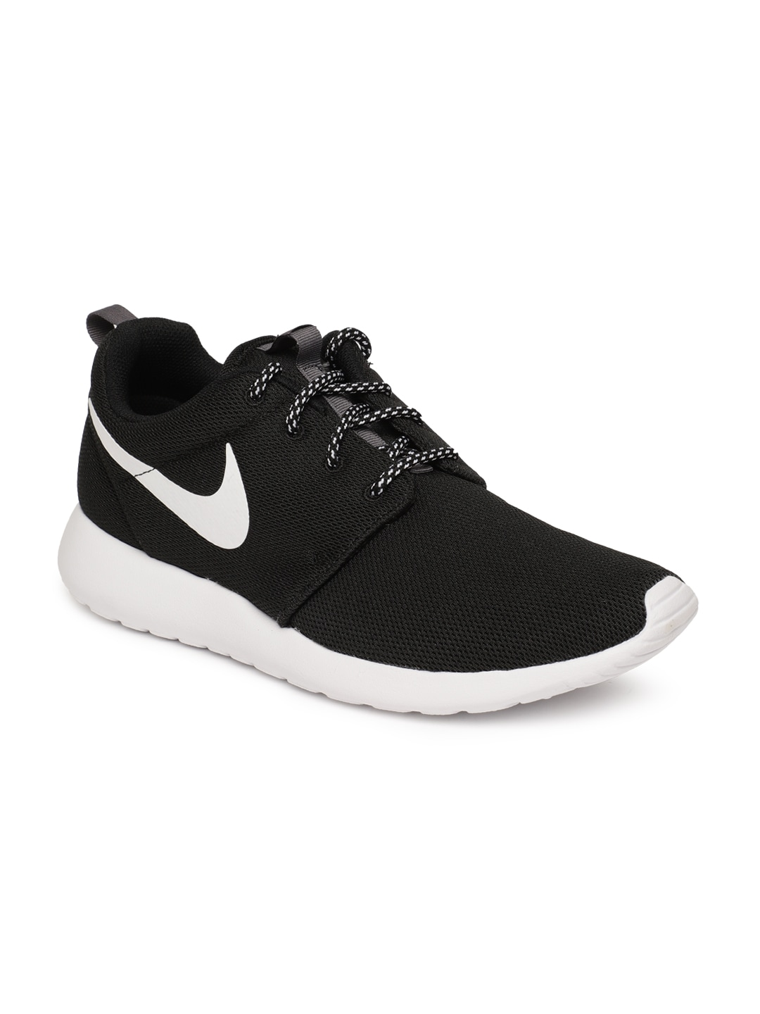 the best attitude a9b02 03c28 Nike White Shoes - Buy Nike White Shoes Online in India
