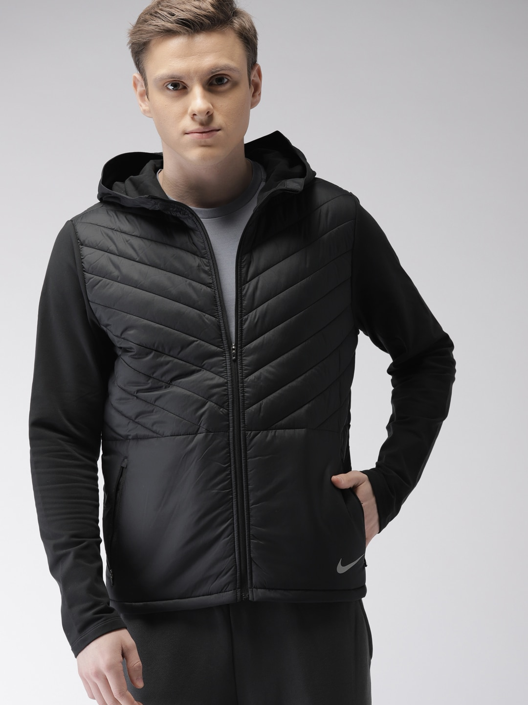 8a91b6a89649 Nike Jackets - Buy Nike Jacket for Men   Women Online