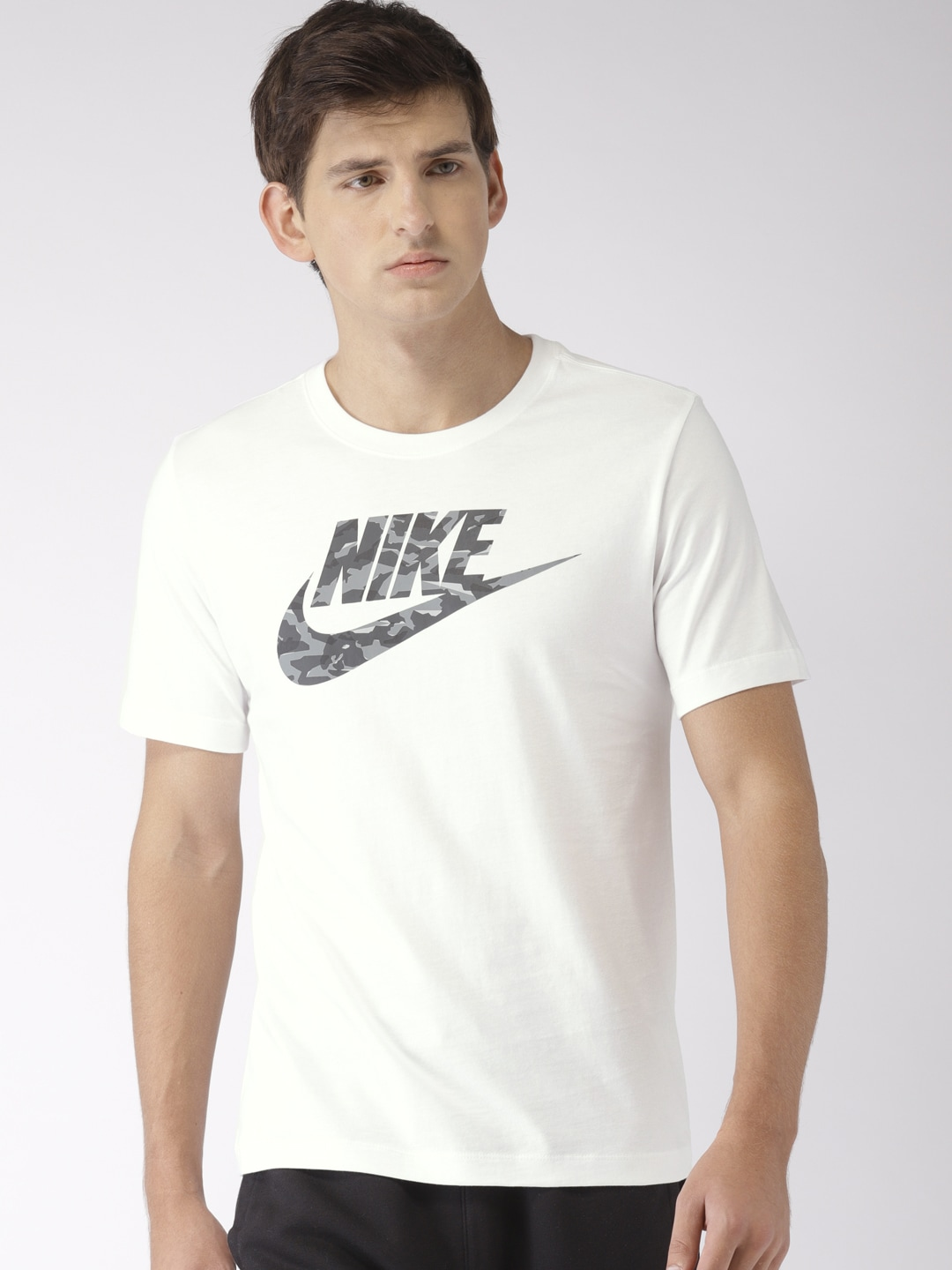 bc40e16318e7 Nike - Shop for Nike Apparels Online in India