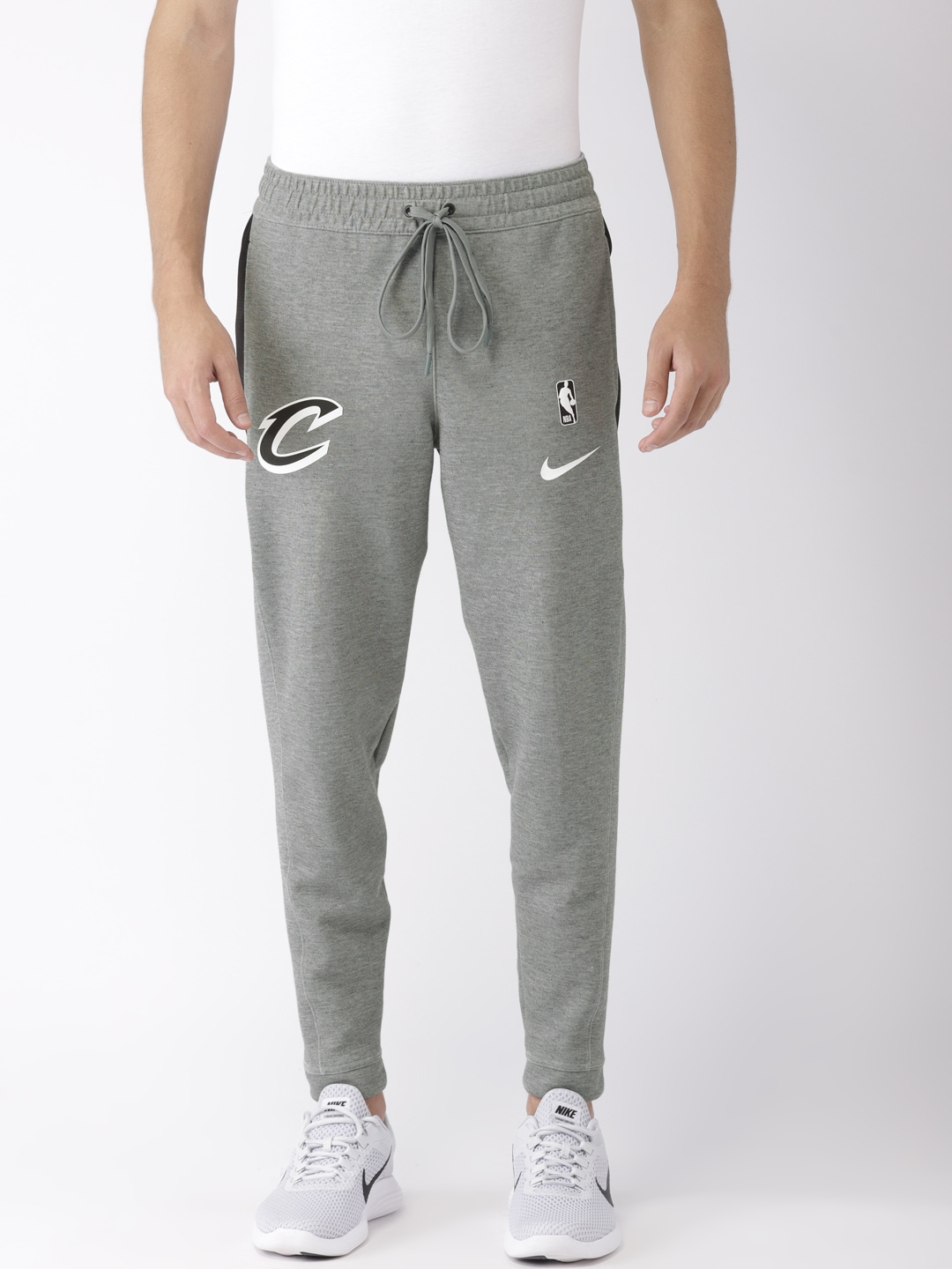 fcf57219496f Nike Joggers - Buy Nike Joggers online in India