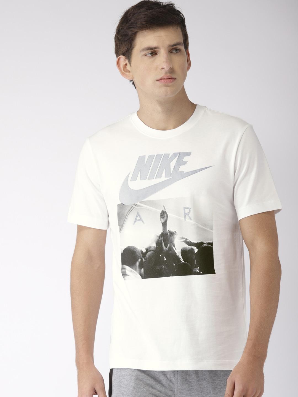 f537aebdf Nike Men Nsw Tshirt Shorts - Buy Nike Men Nsw Tshirt Shorts online in India