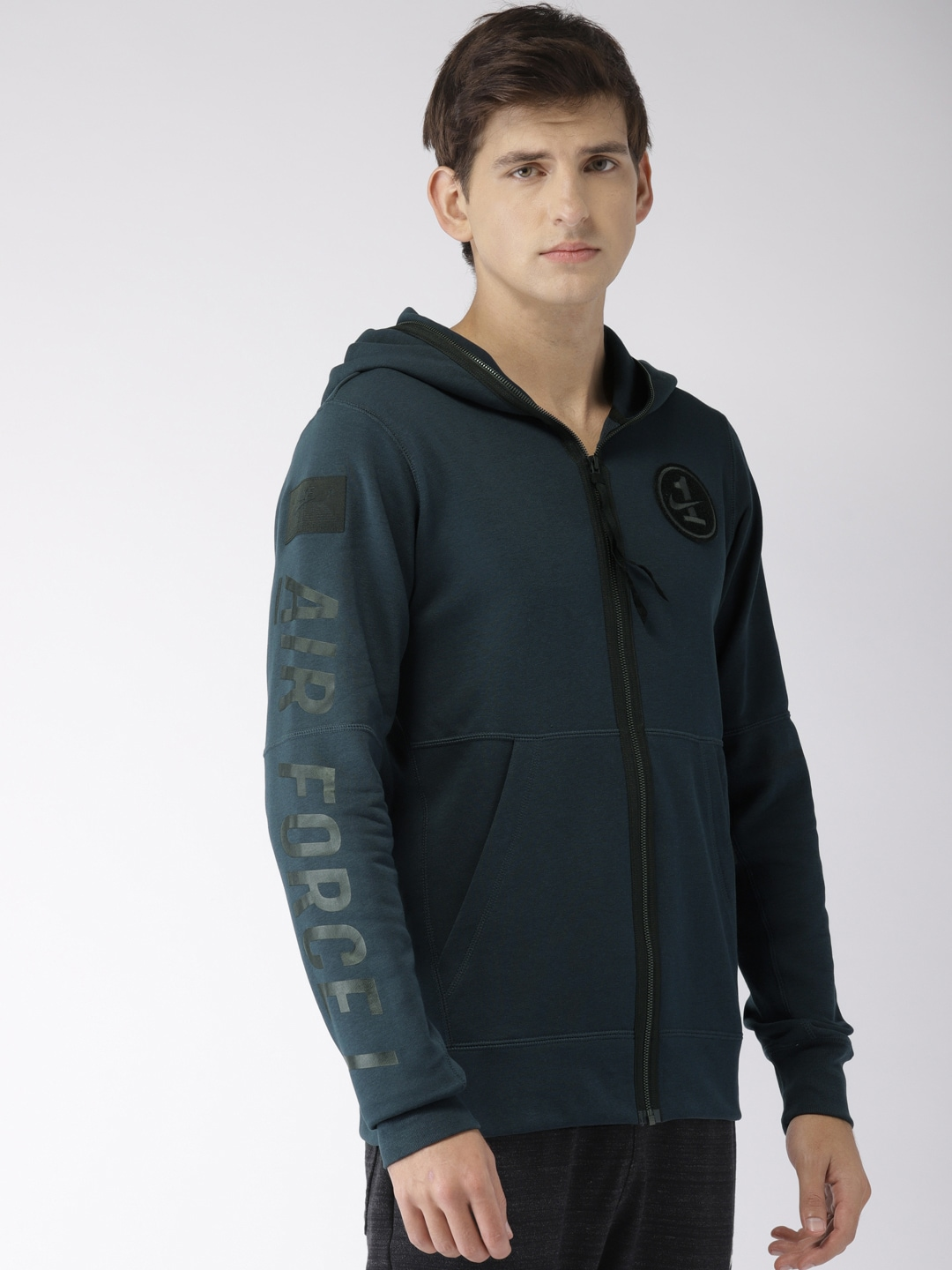 bb81aea00d9f7c Nike Casual Jackets Sweatshirts - Buy Nike Casual Jackets Sweatshirts  online in India