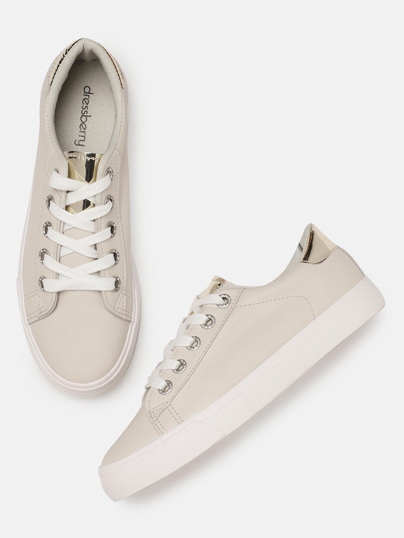 4fcf697ae79 Women Footwear - Buy Footwear for Women   Girls Online