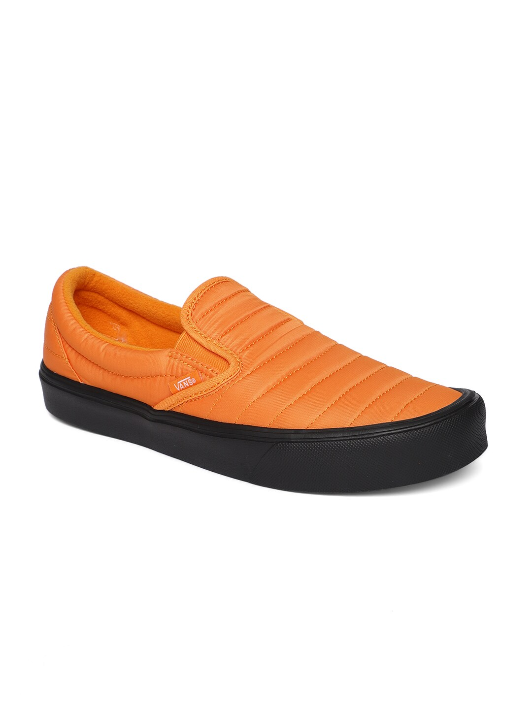 532892cd650623 Vans Classic Slip On - Buy Vans Classic Slip On online in India