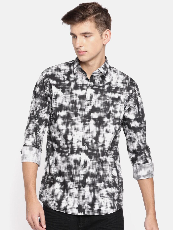 5f78a4253d8 Calvin Klein - Buy Calvin Klein Clothing   Accessories Online in India