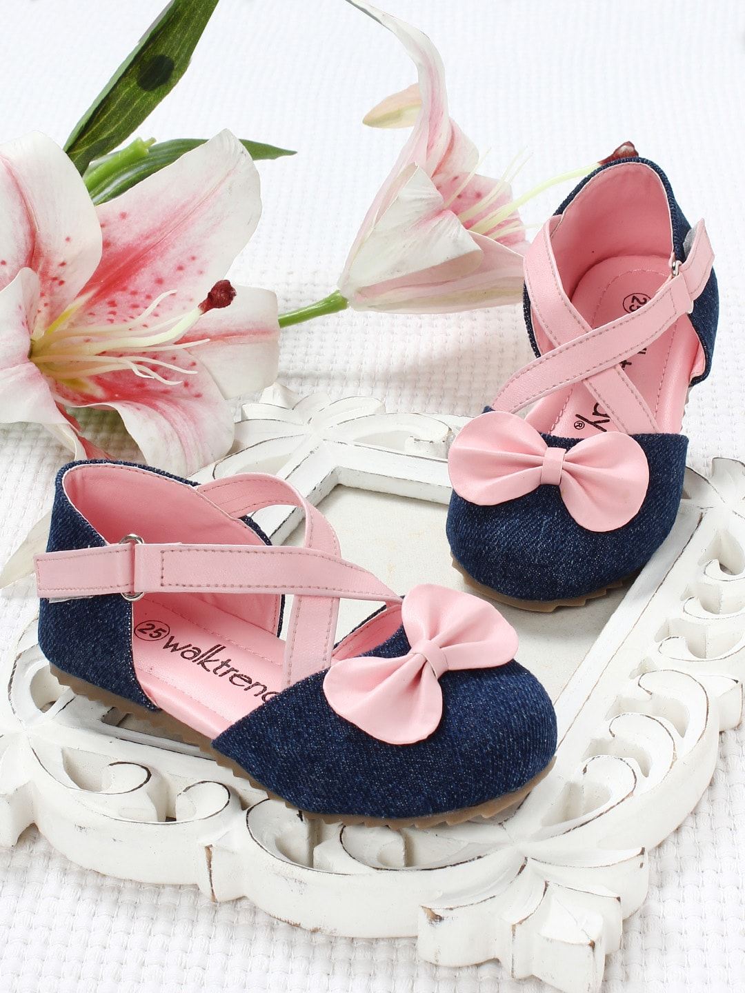 21c71bde3db Pink Sandal Casual Shoes Flats - Buy Pink Sandal Casual Shoes Flats online  in India