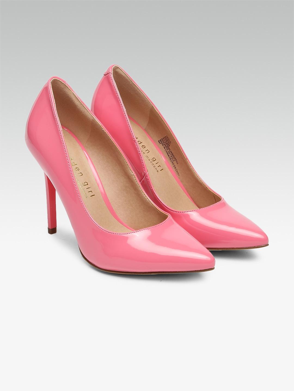 969184ce237 Buy Steve Madden Pointed Toe Heels - Myntra